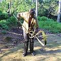 Tying a palm climbing aid