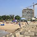 Beach life at Shogun, Ilha