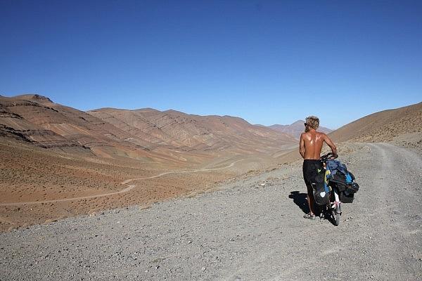 Tizi n'Uguent Zegasaoun - 2,645 m