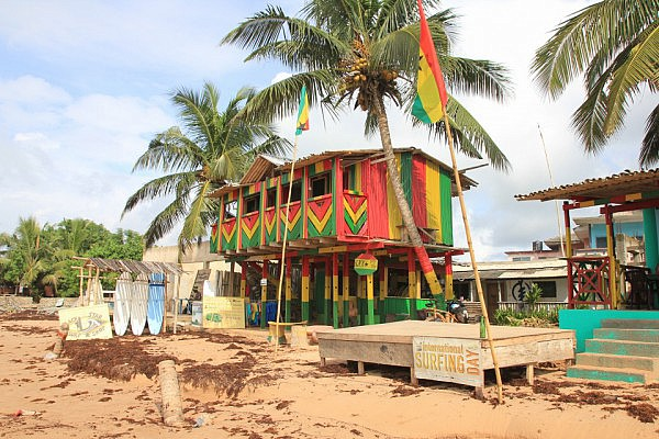 Black Star Surf Shop, Busua